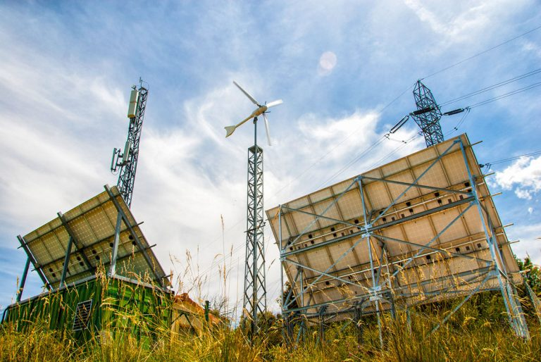 outage prevention with hybrid renewables